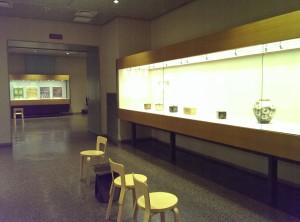 展示室には柳宗理デザインのバタフライチェアが置いてあります
